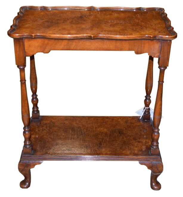 Attirant Two Tier Queen Anne Side Table